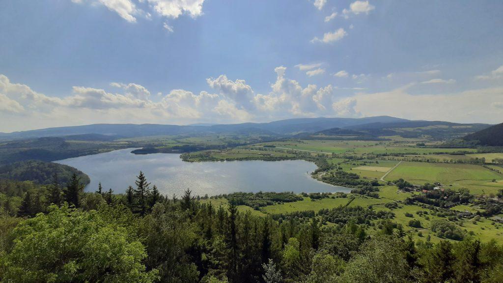 Jezioro Bukówska - widok z Zawiernej